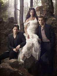 Vampire Diaries. ElenaDamon-et-Stefan-21